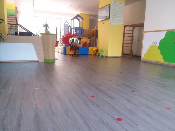 mua sàn nhựa giả gỗ ở Phú Thọ 1