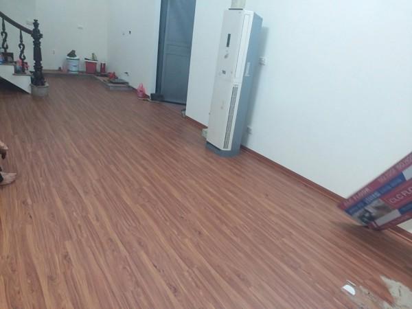 mua sàn nhựa giả gỗ ở thái nguyên 1